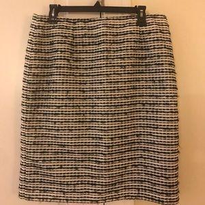 NWOT Jones New York fully lined back zip skirt 12